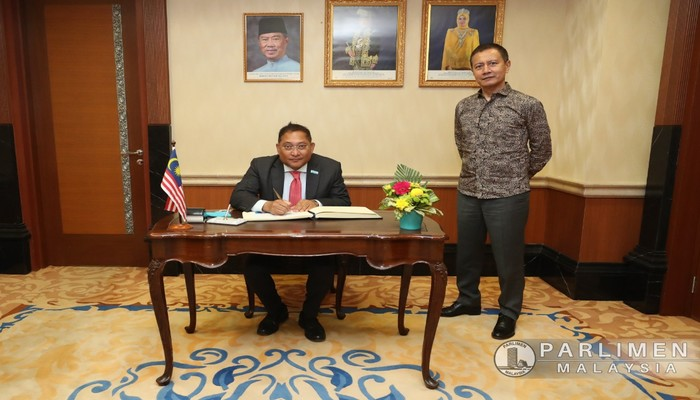 KUNJUNGAN HORMAT HE. RASHEED MUSTAFA SARWAR ..ATIVE TO MALAYSIA) KEATAS YPDR - 30 MAC 2021