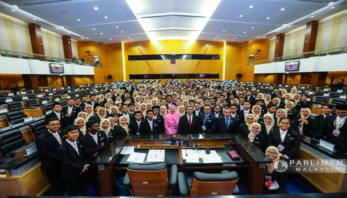 PROGRAM MALAYSIA FUTURE LEADERS SCHOOL (MFLS) TIER 3