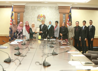 Kunjungan Hormat Delegasi Pusat Pengajian Undang-Undang UUM